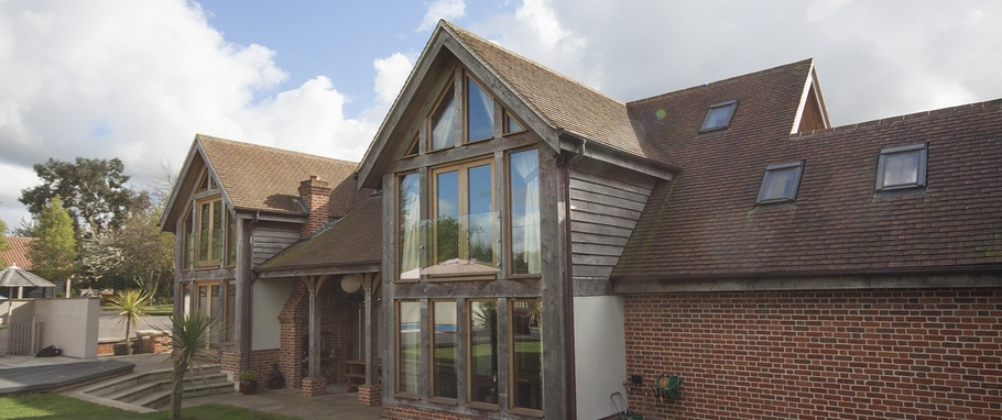 Craftsmanship shines through in dramatic oak-framed extension ...