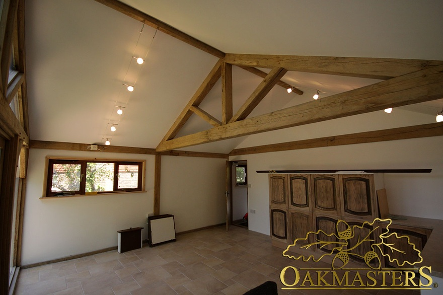 Vaulted Ceiling And Exposed Oak Truss In Garden Room And