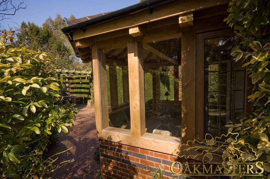 Hexagonal garden room in kent oakmasters for Garden rooms kent