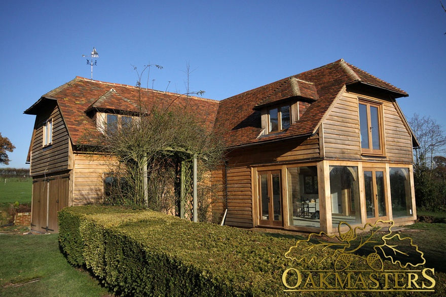 Outbuilding With Glazed Wing In Sussex Oakmasters