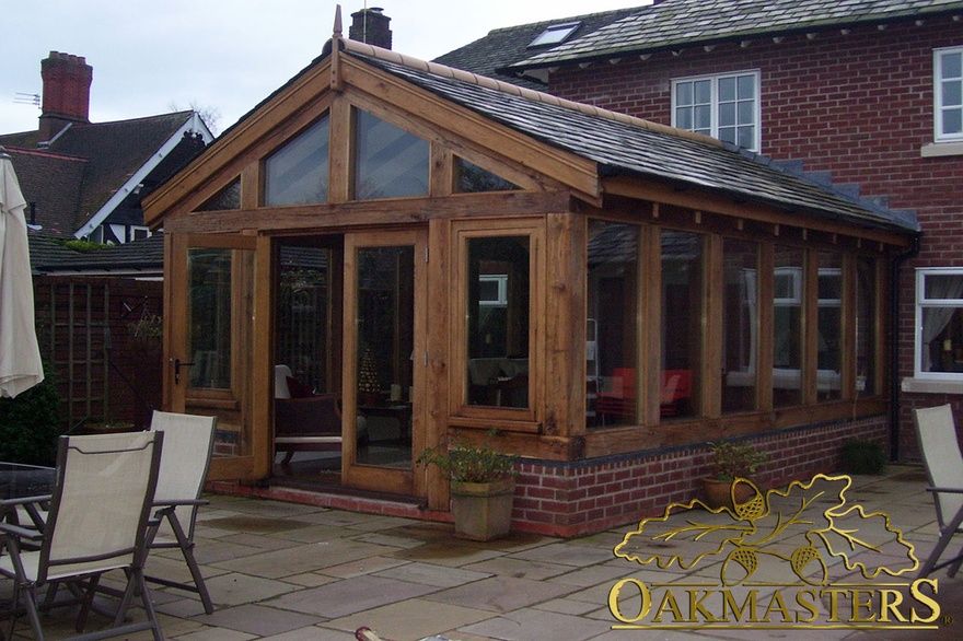 Sunroom extension with oakframe glazing