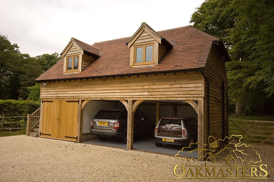 3 bay oak garage with loft and raised eaves oakmasters for Tre bay garage