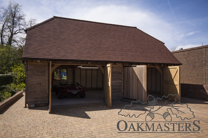 2 Bay Closed Oak Framed Garage With A Hipped Roof Oakmasters